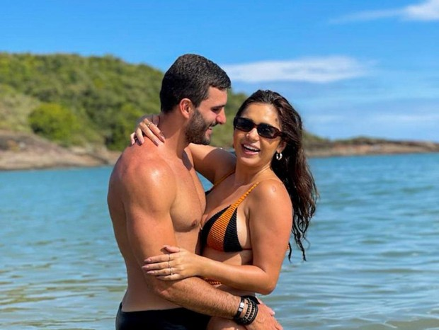 Ex-BBB Gizelly Bicalho oficializa namoro com arquiteto