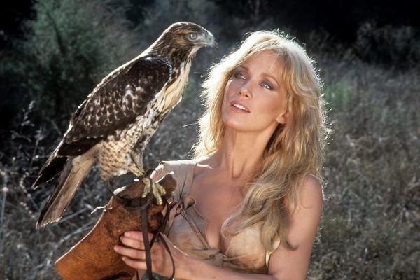 Morre Tanya Roberts, famosa Bond Girl dos anos 1980
