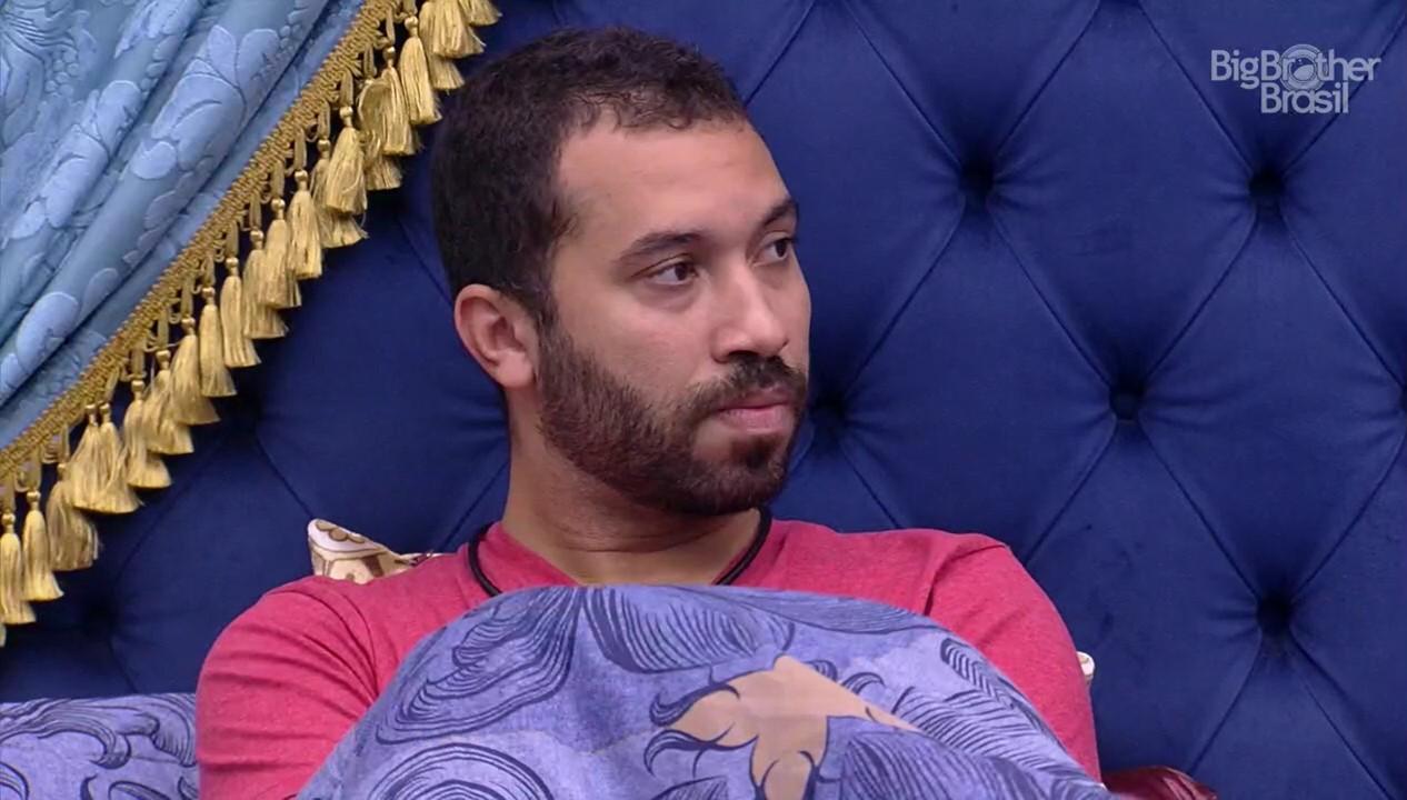 Gilberto promete não beber em festa após briga no BBB