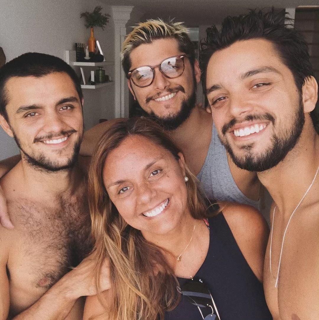 Mãe de Felipe Simas desabafa sobre a Covid-19