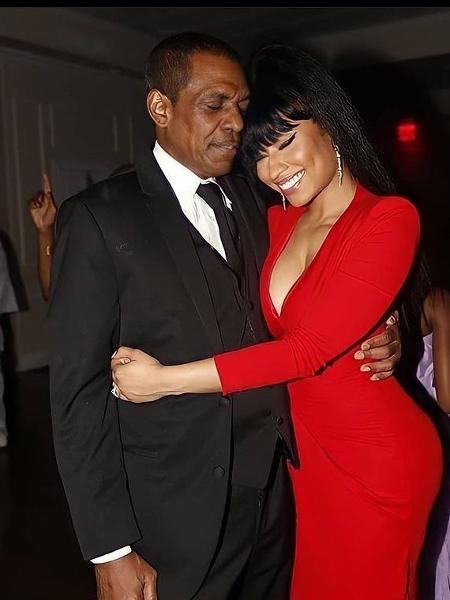 Pai de Nicki Minaj morre atropelado e motorista foge