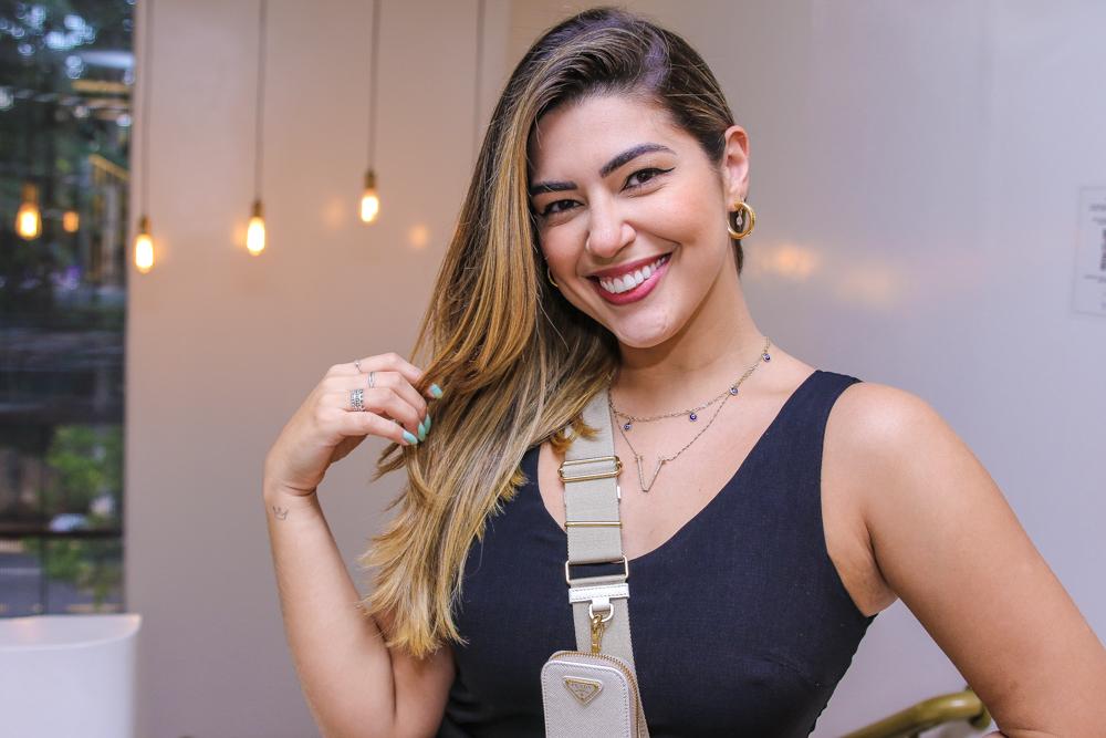 Vivian Amorim ostenta bolsa de R$7,5mil