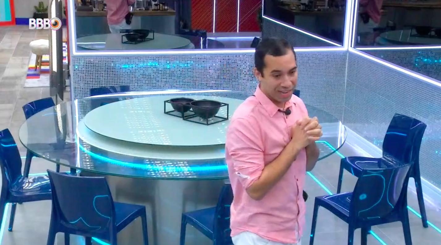 Gilberto defende sua presença no BBB: 'Muita coragem'