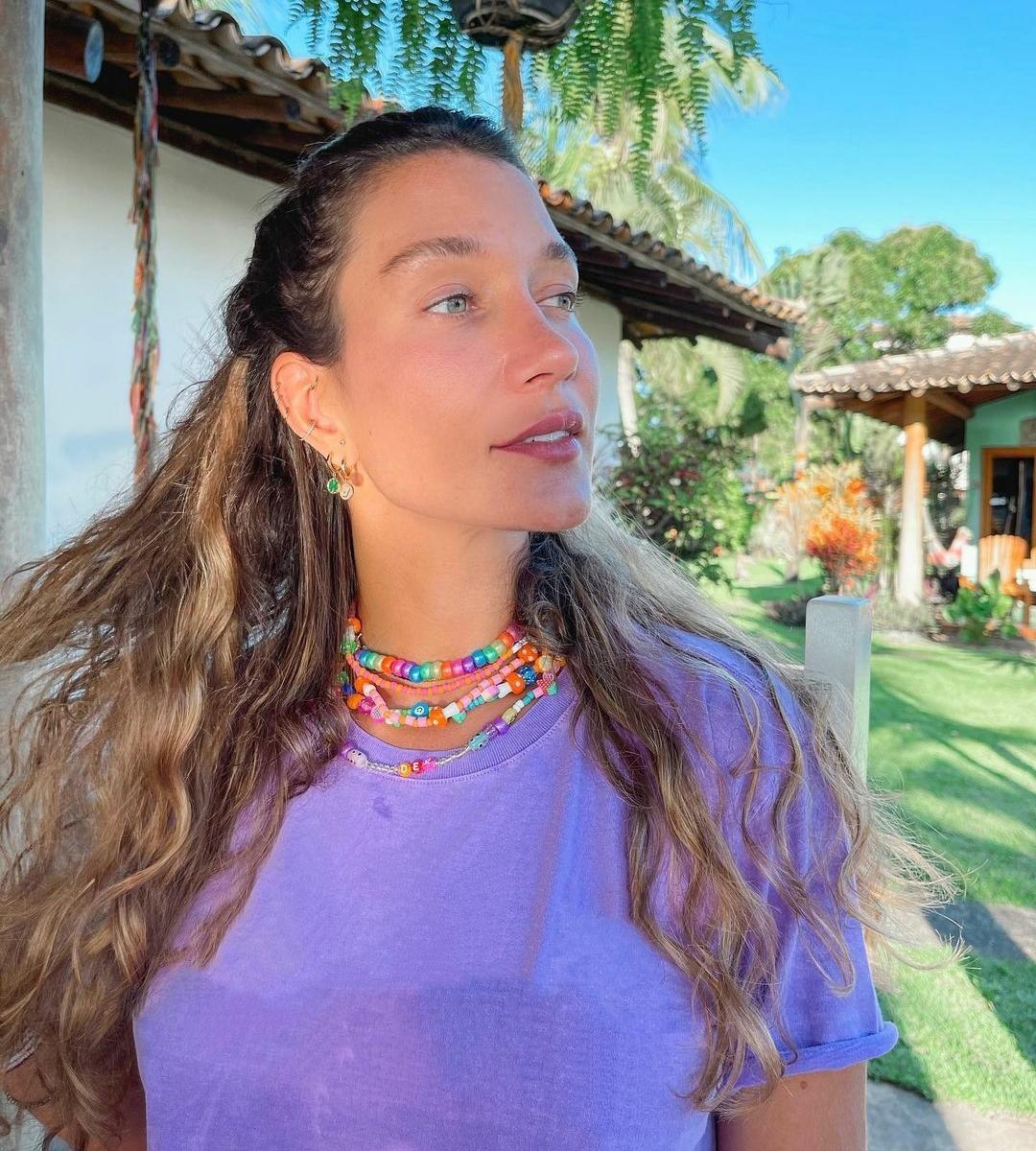Gabriela Pugliesi posta usando colar com nome de novo affair