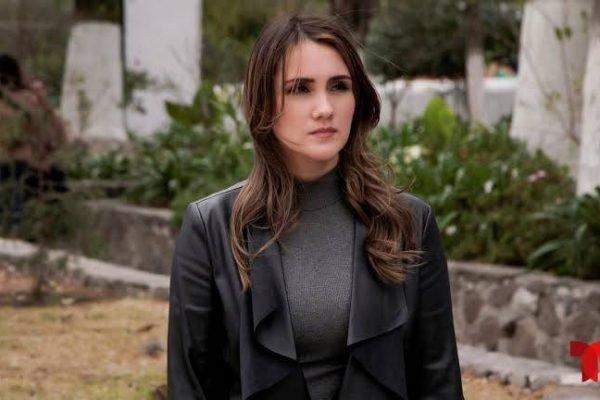 Divulgando seu novo trabalho na série Falsa Identidad, da Netflix, Dulce Maria se considera empoderada em novo papel.