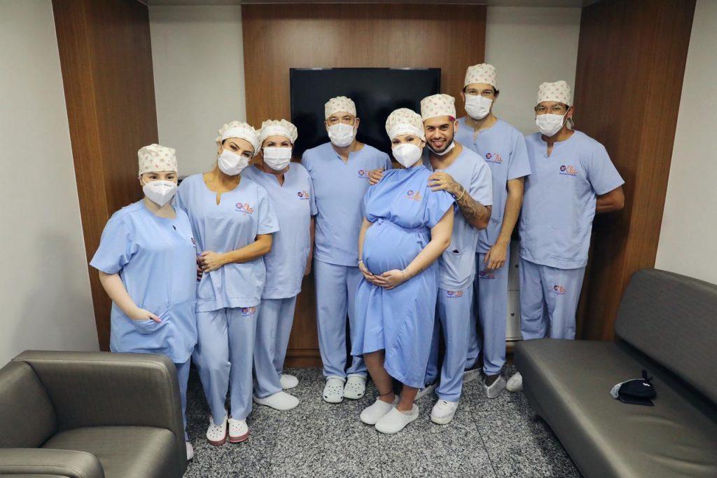 Conheça a técnica usada pelos cirurgiões de Virgína para fechar a cesárea sem marcas
