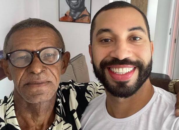 Gil do Vigor reencontra o pai após 15 anos