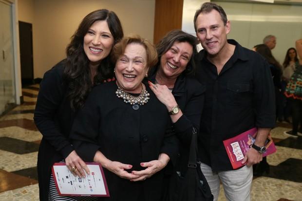 Filha de Nicette Bruno é entubada com Covid-19