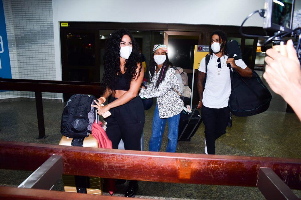 Emoção marca retorno de participantes de No Limite a São Paulo