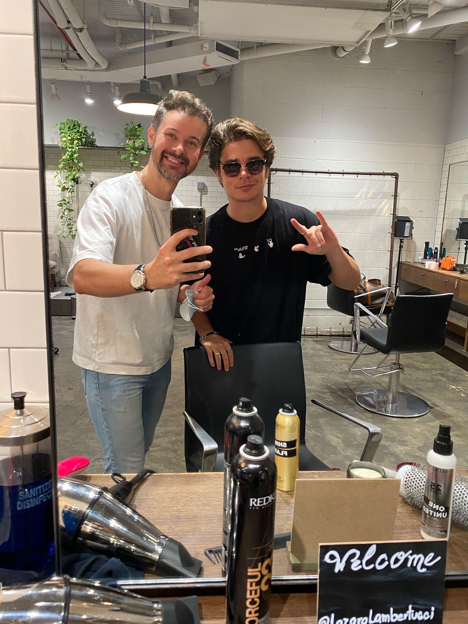 Hairstylist entrega detalhes do novo corte de marido de Sasha