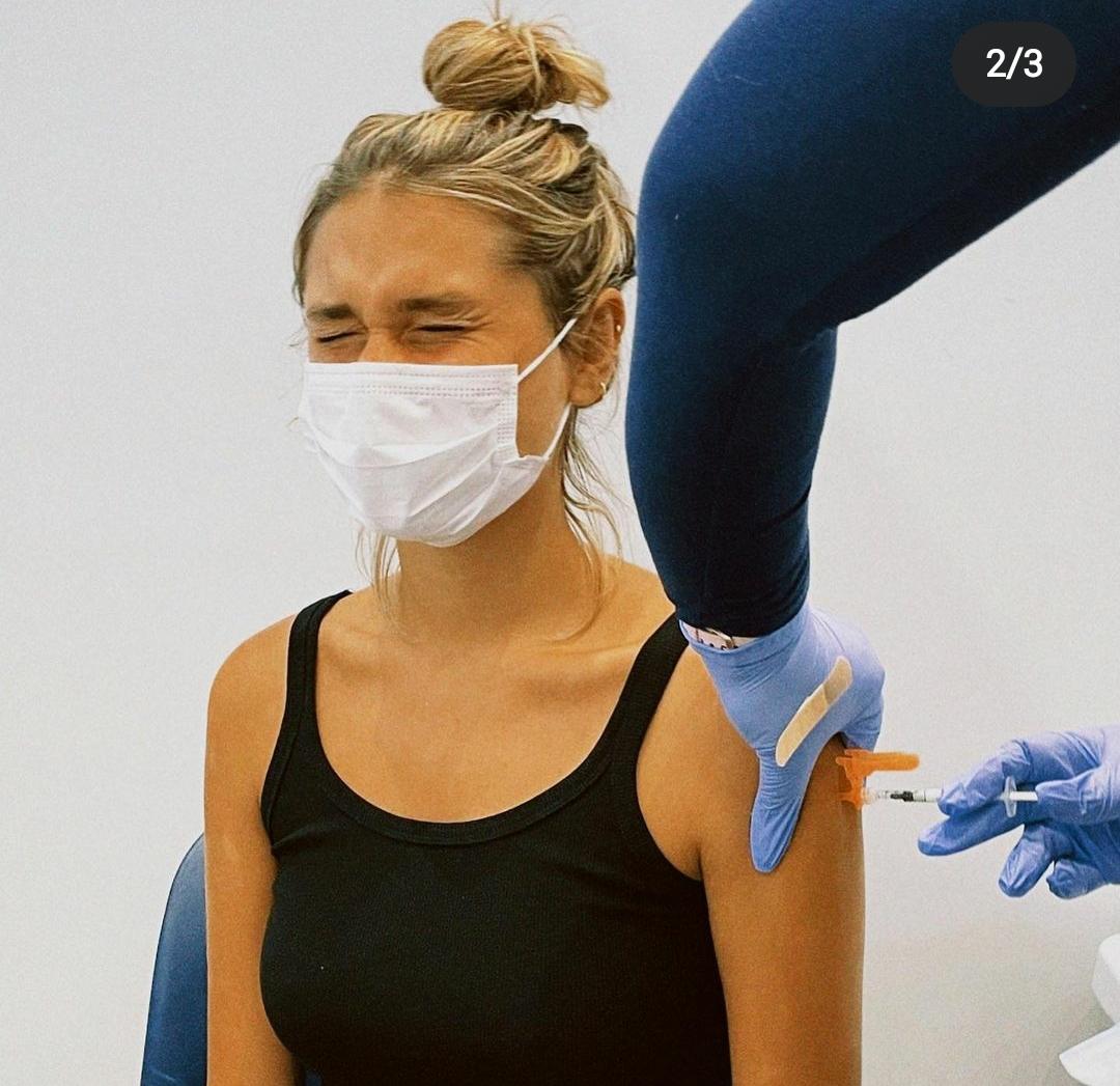 Sasha e João tomam vacina nos EUA após Lua de Mel em Dubai