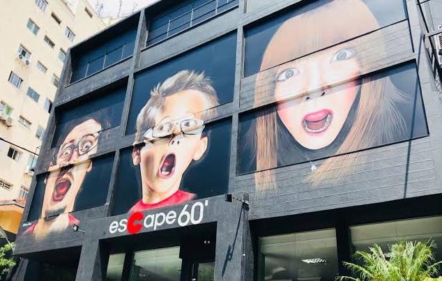 Gabi Martins e Tierry se divertem no Escape 60
