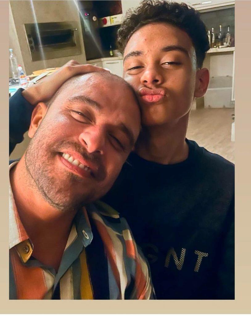 Filho de Diogo Nogueira entrega romance do pai com Paolla Oliveira
