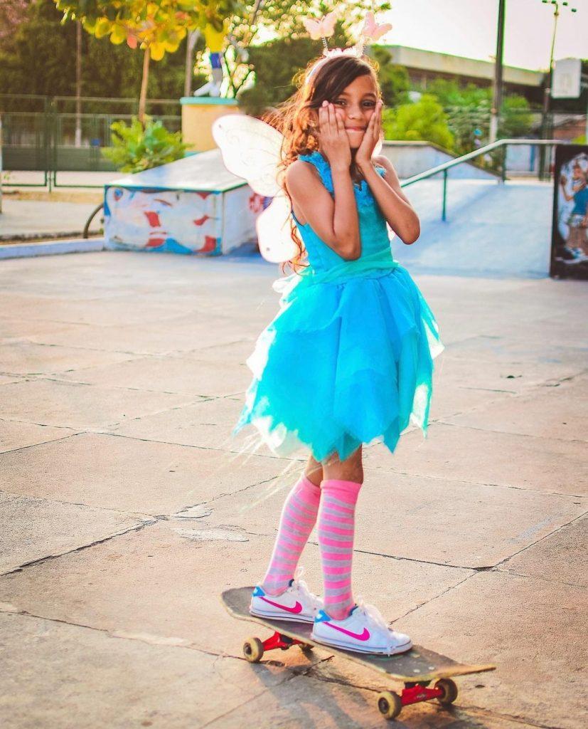 Rayssa Leal, a Fadinha do Skate, chega com festa no Brasil