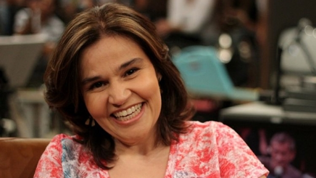 Claudia Rodrigues recebe alta de hospital