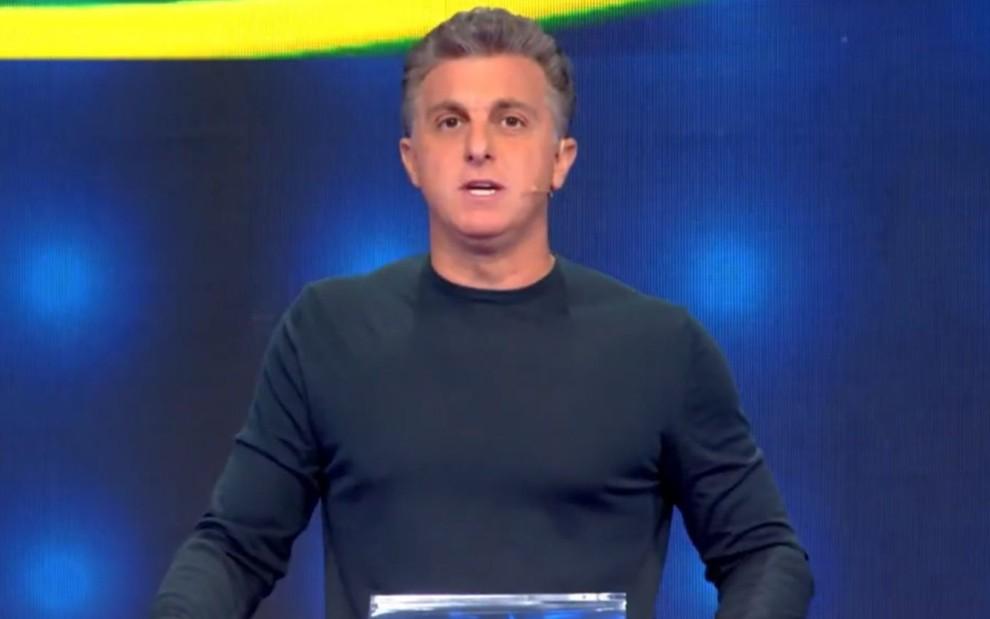 Globo antecipa a estreia de Huck aos domingos
