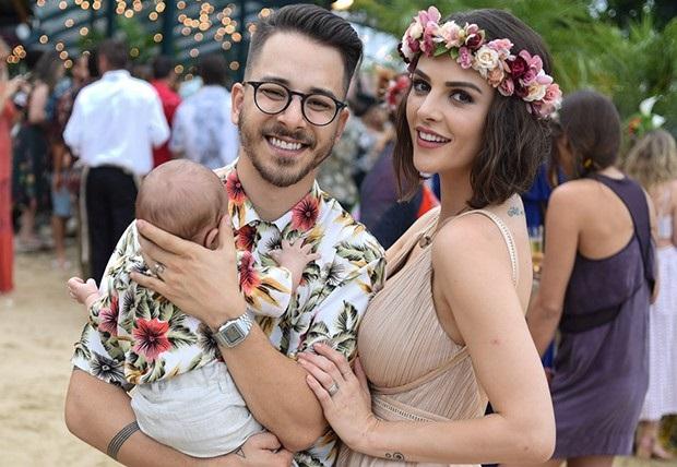 Quatro dias depois do parto, Junior Lima anuncia nascimento da filha