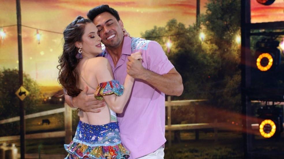Sophia Abrahão explica troca de professor do Dança