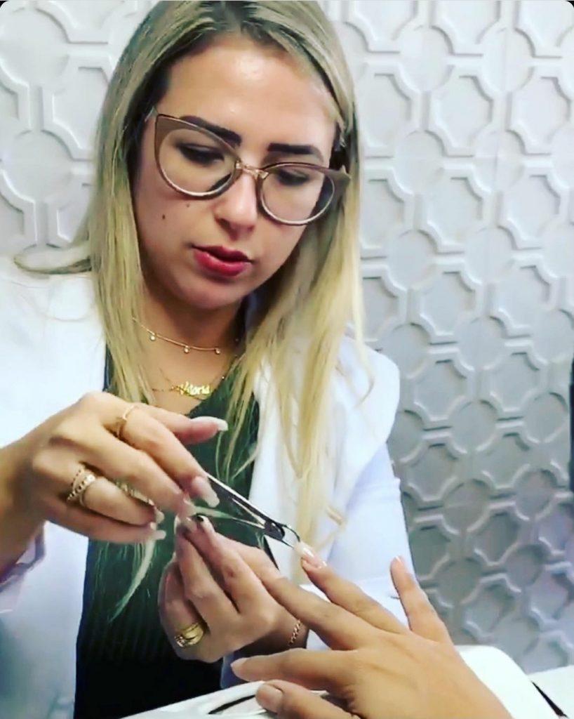 Nail designer revela os segredos das unhas de famosas como Lexa e Luisa Sonza