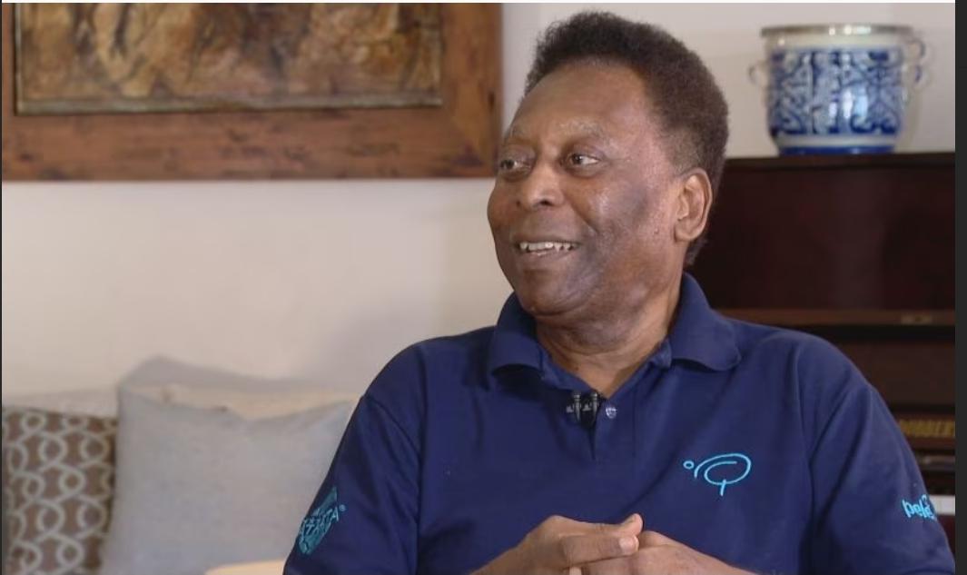 Pelé segue internado após cirurgia no intestino