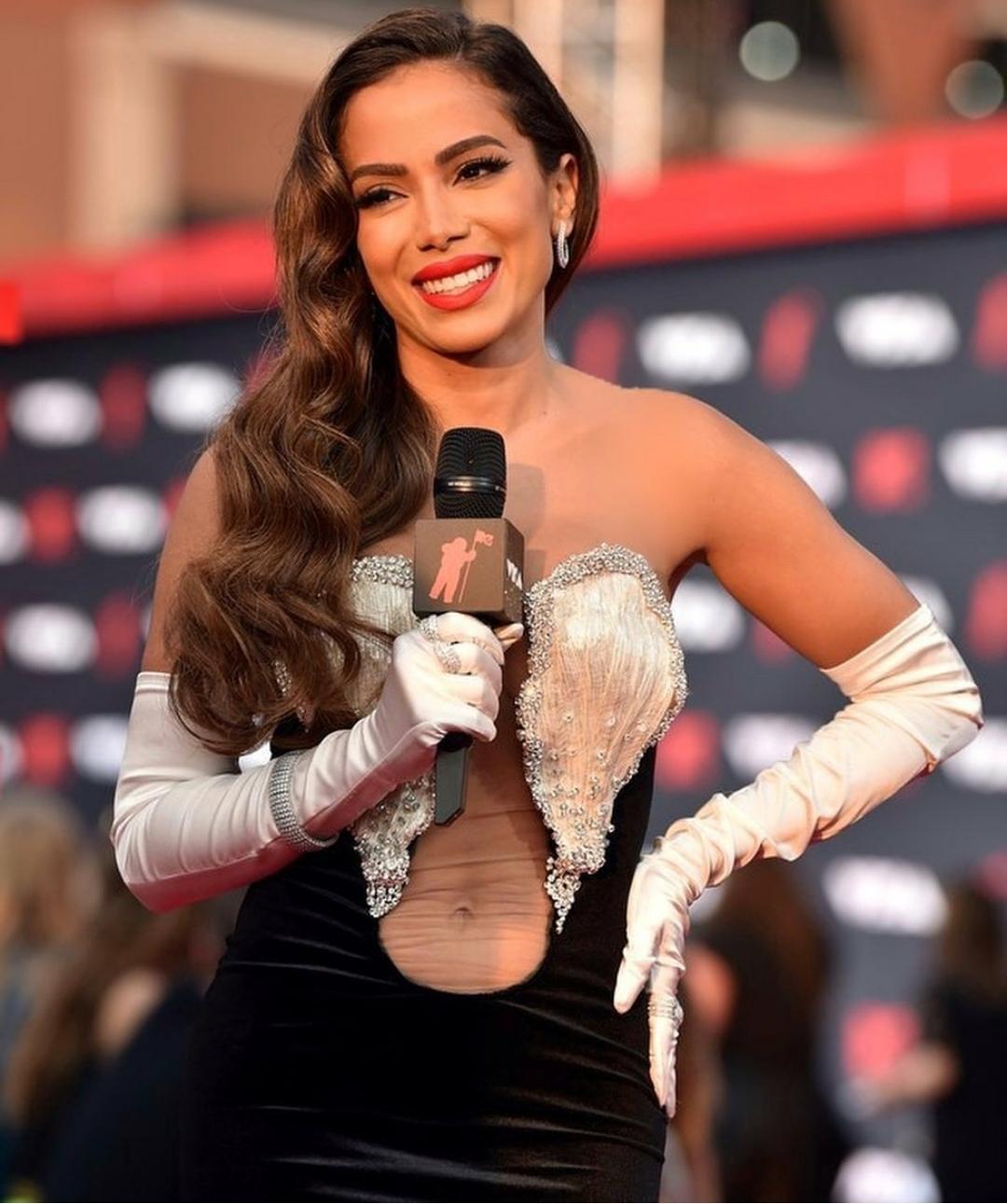 O que aconteceu com a apresentação de Anitta no VMA?