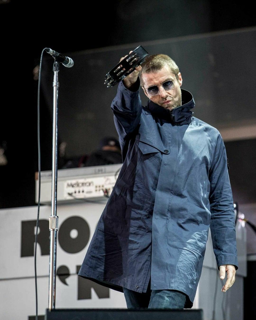 Liam Gallagher, do Oasis, cai de helicóptero