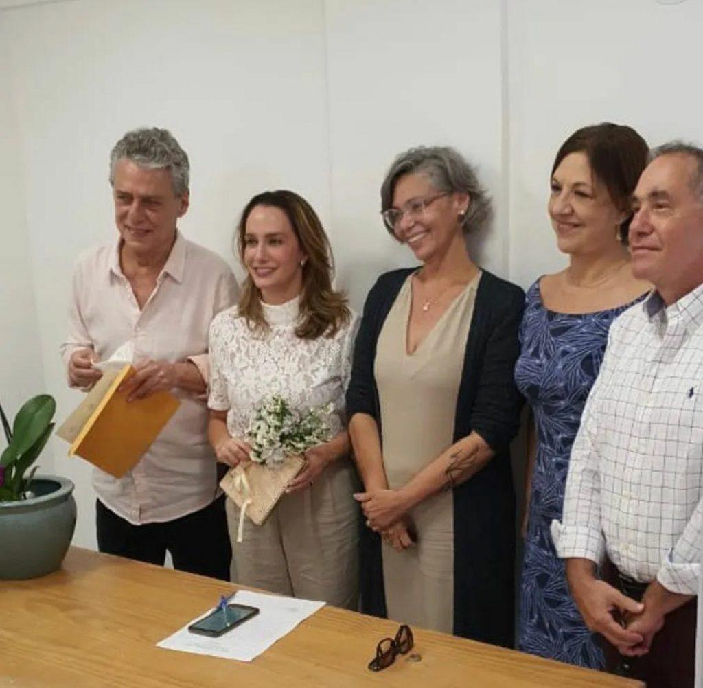 Chico Buarque se casa no Rio de Janeiro