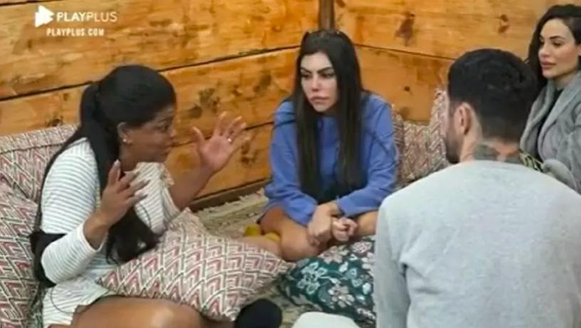Tati Quebra-Barraco critica Nego do Borel em A Fazenda