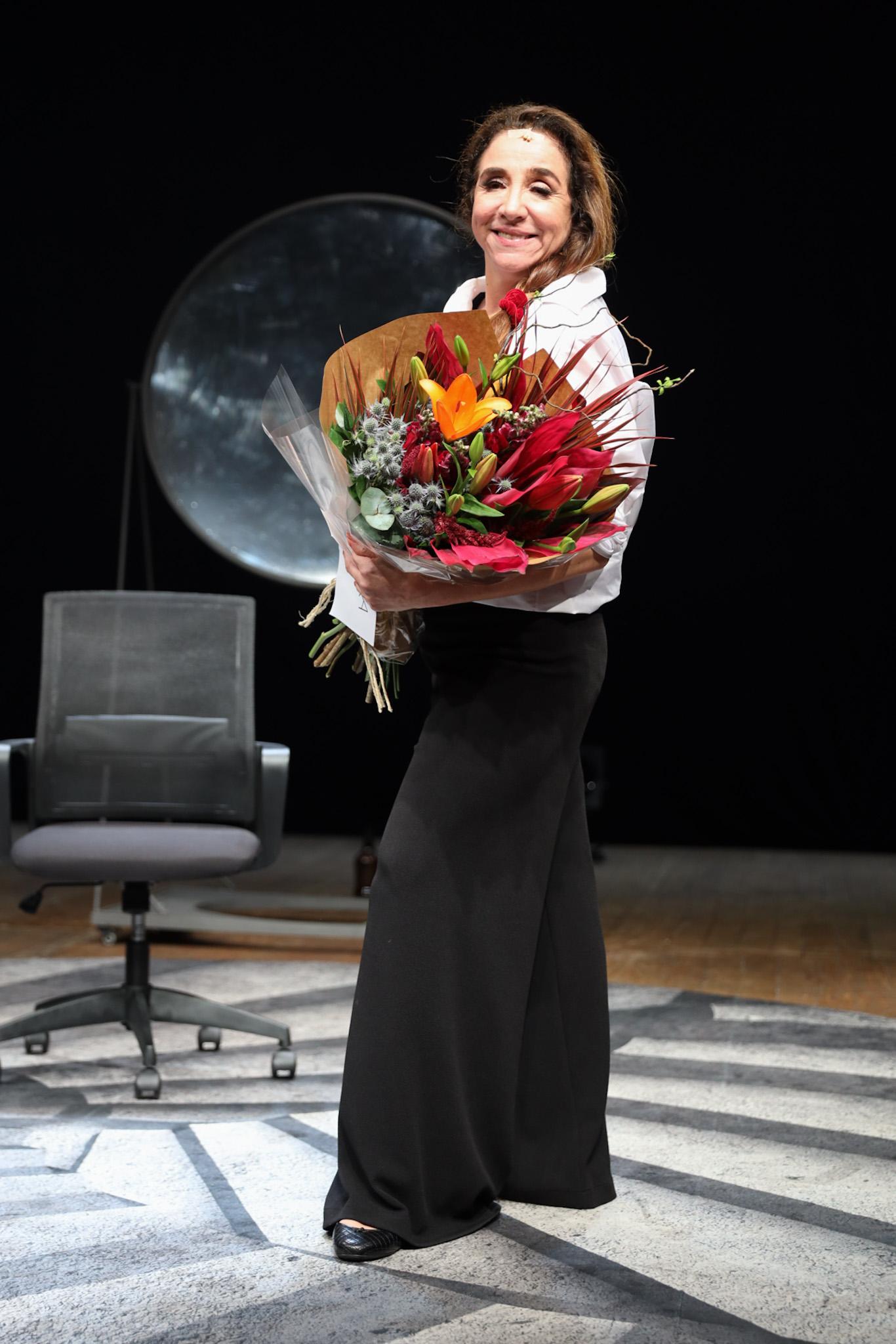 Marisa Orth recebe VIPs em estreia de seu primeiro espetáculo solo