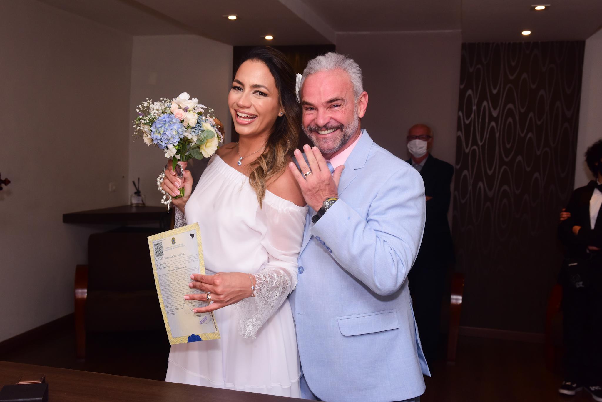 Mateus Carrieri e Day Ribeiro se casam em São Paulo